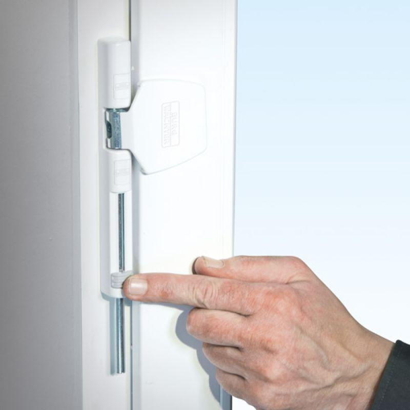 winsafe ws 44 scharnierseiten sicherung f r fenster haussicherheitstechnik weber. Black Bedroom Furniture Sets. Home Design Ideas